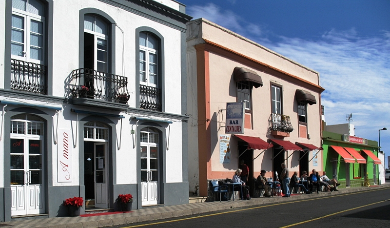 A Mano in Fuencaliente: leicht zu finden, der Kunsthandwerker-Shop liegt direkt an der Hauptstraße.