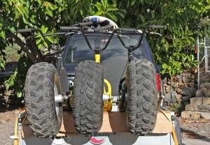Monsterroller: dick bereift durch die Pampa. Foto: La Palma 24