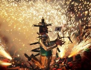 Mazo: Der beschwipste Feuerwerker heizt ein.