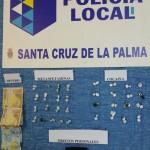 Entdeckt während einer Autokontrolle: Päcken mit Drogen. Foto: Policía Local