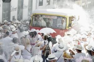 Okay, mit dem alten Indianos-Bus würde man nicht weit kommen: Mit den modernen Guaguas der Transportes Insular kommt man am Día de Los Indianos aber sicher wieder nach Hause.