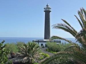 Leuchtturm von Barlovento: In die Anbauten des Faros im Nordosten von La Palma passt ein kleines Hotel. Foto: Gemeinde