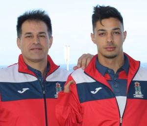 Carlos Pérez mit Papa: Der junge Palmero ist Spanischer Meister im Speerwurf. Foto: Cabildo