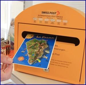 Swiss Post-Briefkasten im Hotel Sol-Supermarkt: etwas orangener als die gelben Correos-Boxen. Foto: La Palma 24