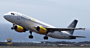 Vueling: Die Airline bietet immer wieder niedrige Ticketpreise für Flüge zwischen La Palma und Barcelona. Foto: Carlos Díaz La Palma Spotting
