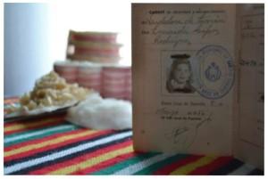 Ausstellung im Zigarrenmuseum: Kinder fotografieren den Día de Canarias.