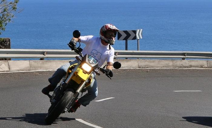 Mit dem Motorrad die Isla Bonita erkunden: Kein Problem - bei La Palma 24 kann man Bikes buchen und erhält fachkundige Anleitung.
