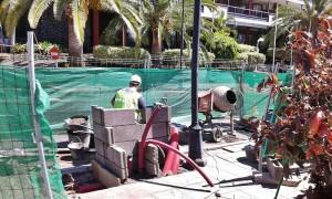 Avenida Marítima in Santa Cruz: Eine Stromzapfsäule für Elektrofahrzeuge wird gebaut. Foto: Cabildo