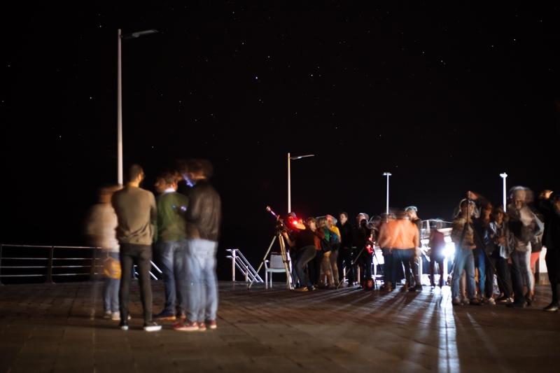An vielen Orten während der Starlight-Nacht konnten auch All-Blicke mit dem Teleskop riskiert werden. Hier ein Fotos aus Puerto Naos von Robert Nazco.