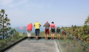 Vor oder nach dem Marktbesuch: Im Wald von El Fayal kann man wandern, grillen oder die Aussicht auf die wilde Landschaft des Nordwestens genießen. Foto: La Palma 24
