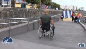 Neuer Strand von Santa Cruz de La Palma: breite Rampen für Behinderte. Foto: TV Canarias