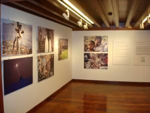 Ausstellung über Flüchtlinge: CajaCanarias in Santa Cruz. Foto: Bank