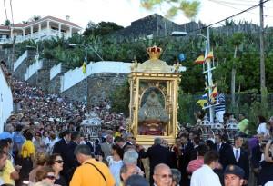 Bajada de la Virgen de las Nieves: Die Jungfrau vom Schnee wird alle fünf Jahre in die Stadt herabgetragen.
