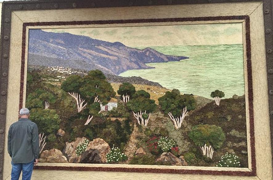 Nicht alle zu Corpus Christi in Mazo gebastelten Motive sind religiöser Art: Auch gigantische Bilder wie hier vom Osten der Insel La Palma zaubern die künstlerisch begabten Mazucos. Foto: La Palma 24