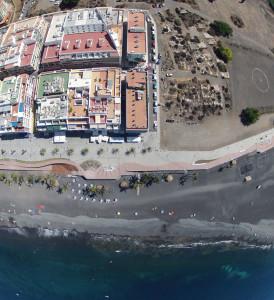 Puerto Naos im Westen von La Palma: Zum Schutz vor der Brandung des Atlantiks wird nun das seit vielen Jahren gewünschte Dammprojekt neu angegangen. Foto: La Palma 24