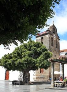 Die Iglesia de Nuestra Señora de Los Remedios an der Plaza de España in Los Llanos: Hier spielt sich der Großteil der Fiesta-Events zu Ehren der Schutzheiligen ab. Foto: La Palma 24