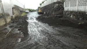 El Remo: Bei starkem Regen verwandelt sich dieser Weg in einen Schlammfluss. Foto: Cabildo