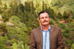 Vincente Rodríguez: Der Rathauschef von Puntagorda setzt zu 100 Prozent auf LEDs. Foto: Gemeinde