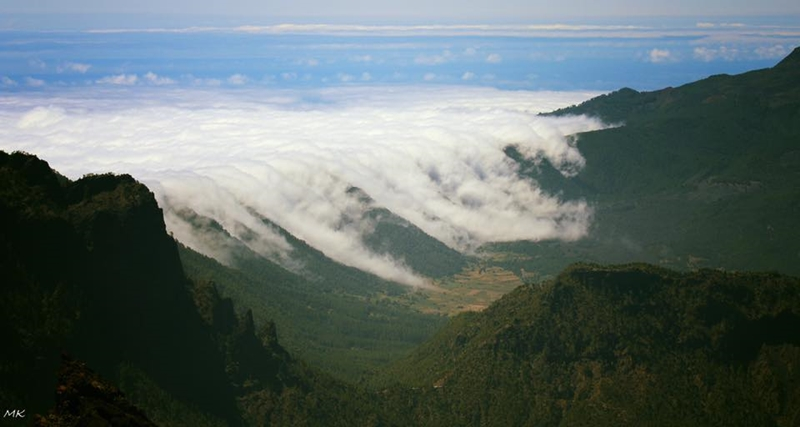 Die berühmte Cascada von La Palma: Michael Kreikenbom fotografierte den Wolken-Wasserfall vom Roque de Los Muchachos aus.