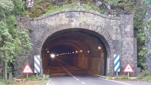 Der Alte Cumbre-Tunnel wird saniert: Höchste Zeit, die Durchfahrt ist mehr als holprig. Foto: Cabildo