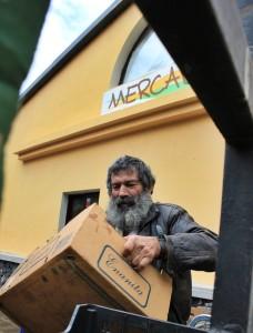 Bauernmarkt in PUntagorda: Frisches und Geburtstagsüberraschungen. Foto: La Palma 24