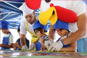 Ruta del Gallo: Im Rahmenprogramm kocht der Hahn auch mit Kids, und in Puerto Naos gibt es am 19. August 2017 das Schaukochen mit regionalen Küchenchef der Extraklasse.