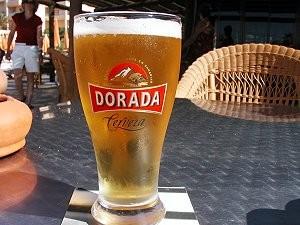 So sieht eine Cana aus: Hier ist Gerstensaft der Kanarenbrauerei Dorada drin. Foto: La Palma 24
