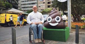 Carlos Correa, Umweltrat von Santa Cruz de Tenerife: Häufchen-Aktion soll Hundebesitzer sensibilisieren. Foto: Stadt