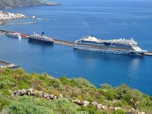 Der Damm im Hafen von Santa Cruz für Fähren und Kreuzfahrtschiffe ist zu kurz: Die Verlängerungsarbeiten könnten noch Ende dieses Jahres beginnen. Foto: Puertos de Tenerife