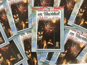 Broschüren mit dem Weihnachtsprogramm in Santa Cruz de La Palma: liegen in Geschäften und in den Tourismusbüros aus.