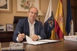 "Inselpräsident Anselmo Pestana: ""Investitionsregen"" in 2018. Foto: Cabildo"