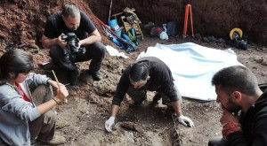 Excavations at Mazo: Funeral rites of the natives are explored. Photo: Chapter