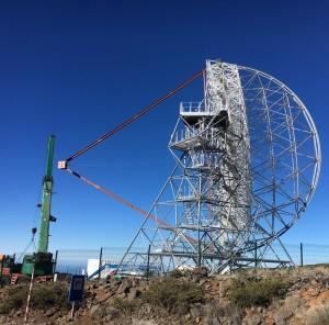 Der Prototyp des LST auf dem Roque de Los Muchachos: Das Gerüst steht, jetzt können die Spiegel eingebaut werden. Foto: Thomas Schweizer