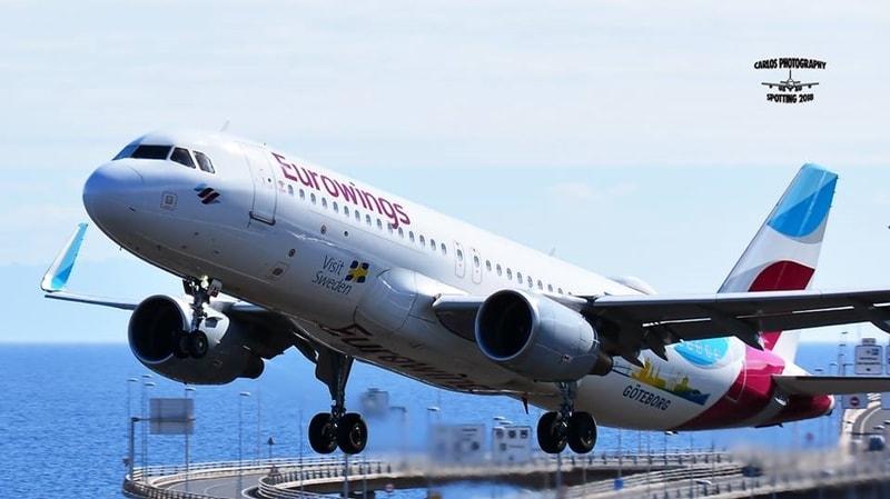 Airport SPC weiter im Aufschwung. Trotz des Ausfalls der wöchentlich fünf Flugzeuge der insolventen Airline NIKI weist der Flughafen von Santa Cruz de La Palma (SPC) im Januar 2018 weiterhin positive Zahlen auf. Nach Angaben der staatlichen Flughafenbetreibergesellschaft AENA starteten und landeten im ersten Monat des Jahres knapp 114.000 Passagiere – ein Plus von sieben Prozent im Vergleich zum Januar 2017. Auf allen acht Kanaren-Airports zählte die AENA im Januar 2018 mehr als 3,6 Millionen Fluggäste, was einem Zuwachs im Vergleich zum Vorjahresmonat von 5,6 Prozent entspricht.