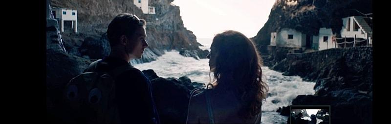 Teaser vom La Palma-Film im Netz. Ende 2017 drehte der Regisseur Erec Brehmer die romantische Komödie La Palma – jetzt kann der Teaser auf Vimeo betrachtet werden. In dem 90-minütigen Spielfilm mit Marleen Lohe und Daniel Sträßer in den Hauptrollen geht es um ein Paar, das durch ein Versehen auf der Isla Bonita landet und hier versucht, seine Beziehungskrise zu lösen. Der Streifen soll 2018 in die Kinos kommen. Hier geht´s zum Teaser.