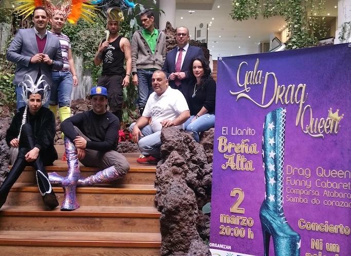 Drag Queen-Spektakel in Breña Alta. Am Freitag, 2. März 2018, entern Drag Queens den Ortsteil El Llanito in Breña Alta. Um 20 Uhr ist eine Show mit acht schillernden Figuren geplant – sieben kommen aus Gran Canaria und eine aus Lanzarote, darunter Finalisten der Gala Drag Queen de Las Palmas de Gran Canaria 2018. Das Eventmoderiert Darío Díaz vom Fernsehsender Televisión Canaria, und der Abend wird durch ein Konzert mit der Band Ni un pelo de tonto abgerundet.