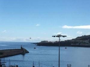 Rußfleck auf dem Atlantik vorm Hafeneingang von Santa Cruz: wurde