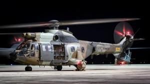 Keine Panik, wenn es heute Nacht laut wird: Das Militär hält Übungsflüge mit Helis über La Palma ab. Foto: MCANA