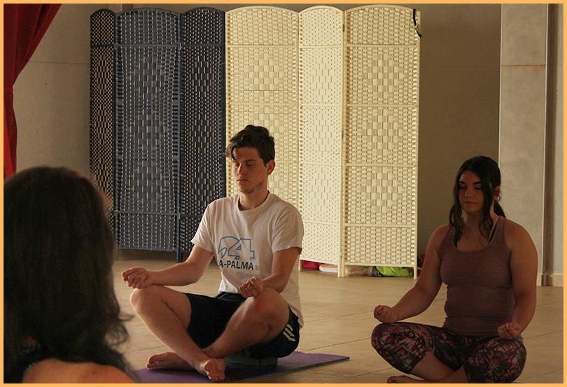 Yoga für jung und alt.