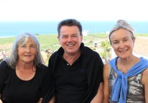 Die Macher vom La Palma WeinClub (v.l.n.r.): Renate Zörb, Jürgen Michalzik und Susanne Langford. Foto: La Palma 24