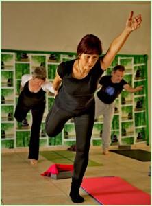 Yoga mit Heidrun: bewusstes Bewegen und Innehalten gepaart mit der Atmung.