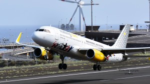 Die Low Cost-Airline Vueling: Anreise nach SPC übers Drehkreuz Barcelona. Foto: Carlos Díaz