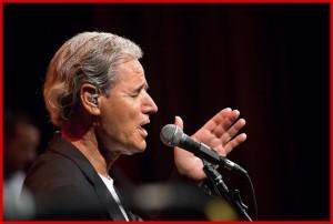 Luis Morera: Das Multitalent ist auch Sänger der Gruppe Taburiente.