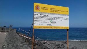 Der Strand von Puerto Naos: Unwetterschäden werden saniert.