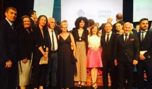 Am Día de Canarias: Rosanna Simón (Bildmitte mit Afrolook) wurde die Kanarenmedaille in Gold verliehen.