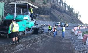 Straße in den Süden von La Palma: Wegen Belagsarbeiten ist in nächster Zeit mit Ampelstopps zu rechnen.