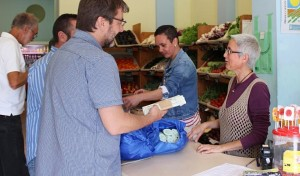 Kompostierbare Beutel für die Braune Tonne: werden in Geschäfen gratis verteilt. Foto: Cabildo