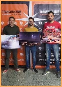 Die Gewinner beim TRV-Fotowettbewerb: fingen den Geist der Transvulcania ein.