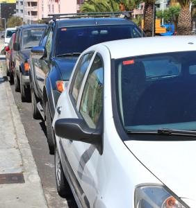 Parken in den Städten: Wer sich nicht auskennt, sollte die blauen Zonen oder Parkhäuser ansteuern. Foto: La Palma 24