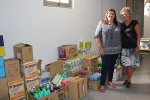 SOS La Palma-Präsidentin Annette Ibarra und Sozialrätin Gazmira Rodríguez: Die Spenden kommen an! Foto: Santa Cruz
